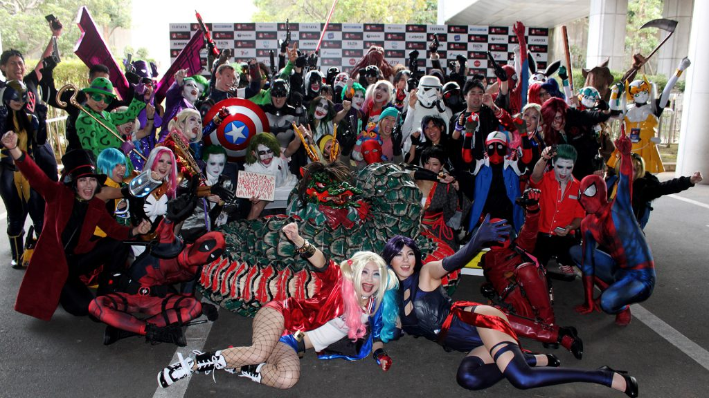 TokyoComicCon Cosplay group photo